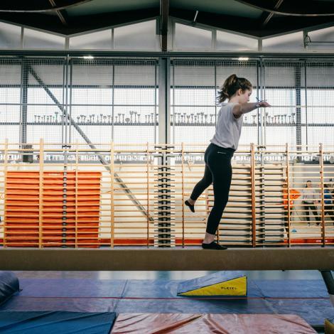 Petite fille gymnastique
